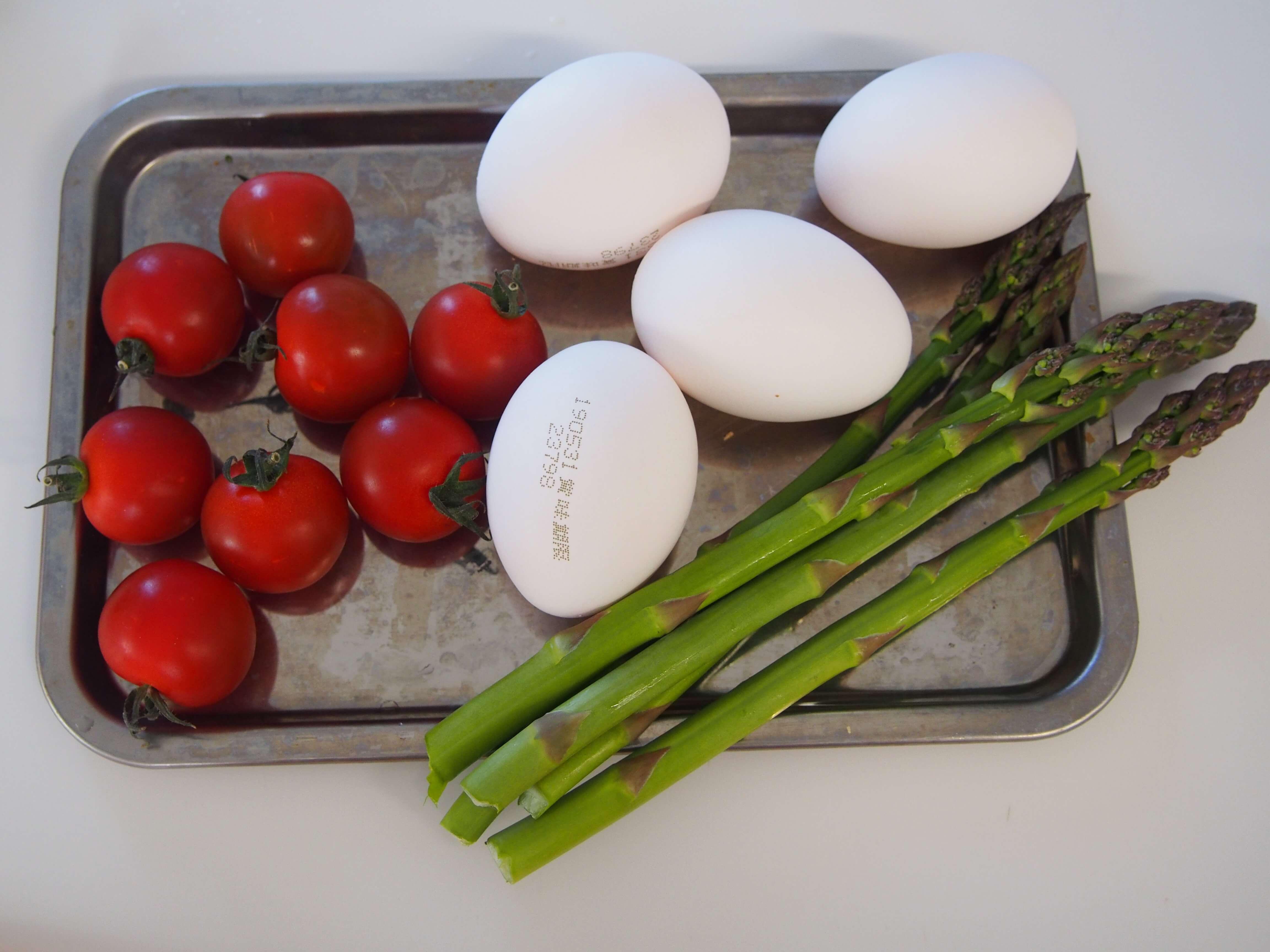 アスパラと卵トマトの炒め物 材料
